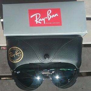 Brand New All Black RayBan Aviators RB3386 63mm